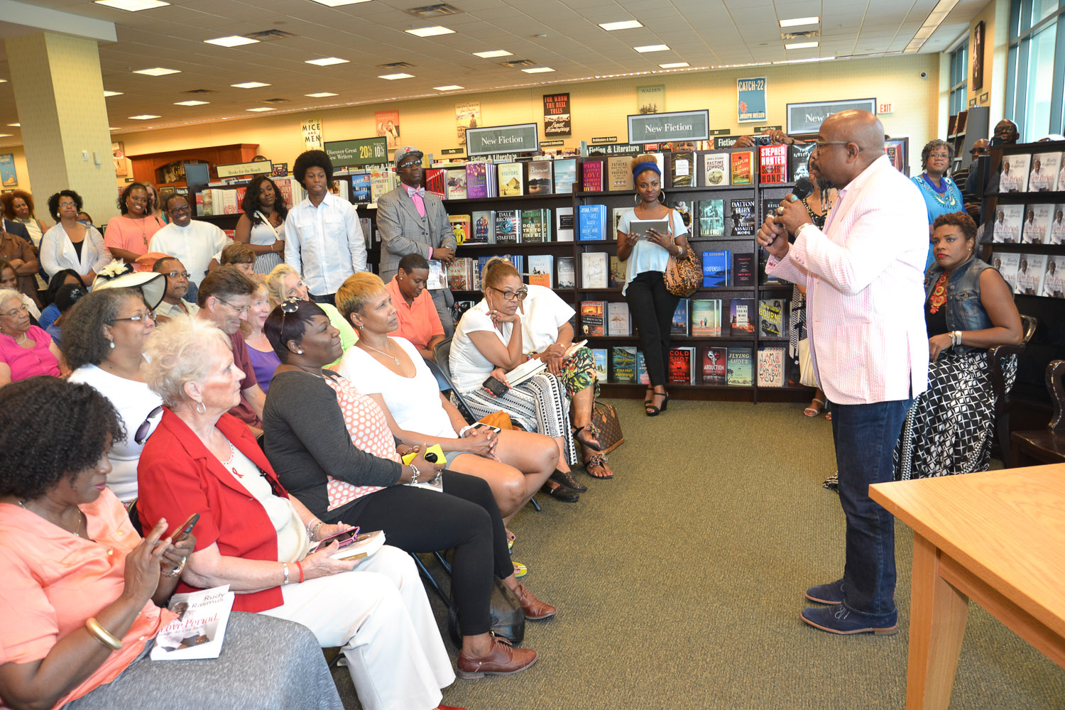 Paster Rudy book signing -0111.jpg