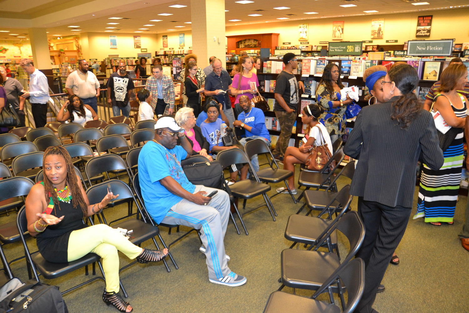 Paster Rudy book signing -0251.jpg