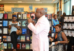 Paster Rudy book signing -0098.jpg