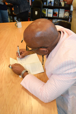 Paster Rudy book signing -0151.jpg