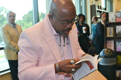 Paster Rudy book signing -0083.jpg