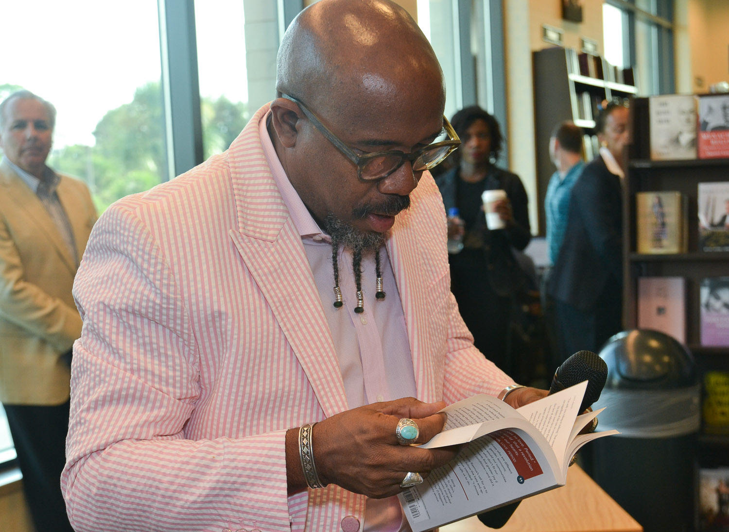 Paster Rudy book signing -0084.jpg