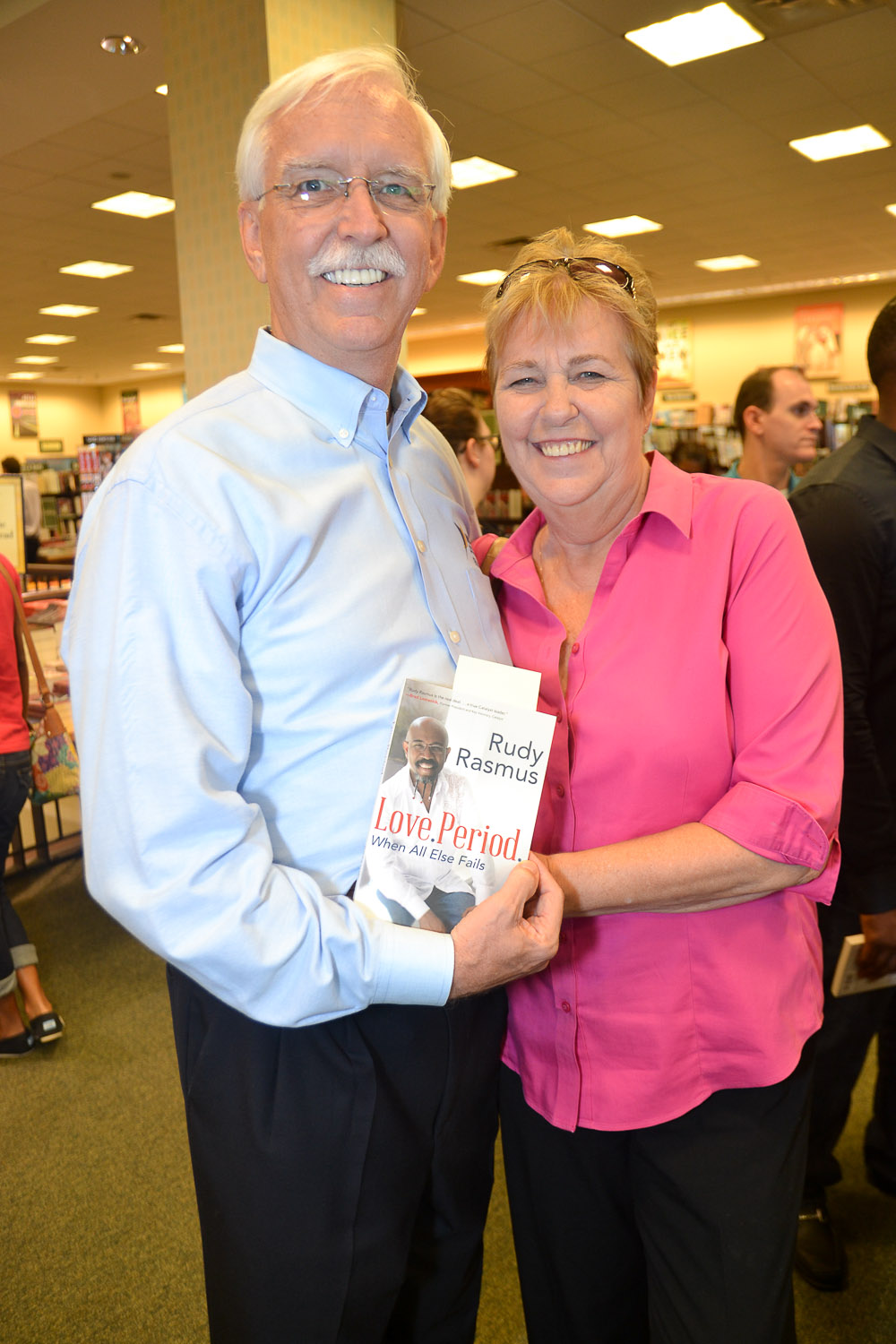 Paster Rudy book signing -0273.jpg