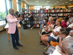 Paster Rudy book signing -0086.jpg