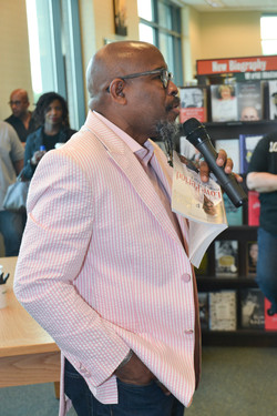 Paster Rudy book signing -0081.jpg