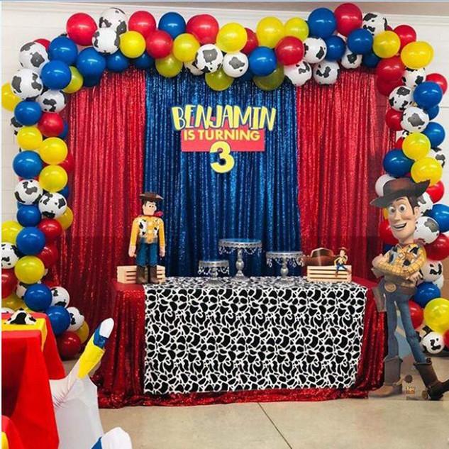 100pcs-lot-Toy-Cartoon-Story-Theme-Party