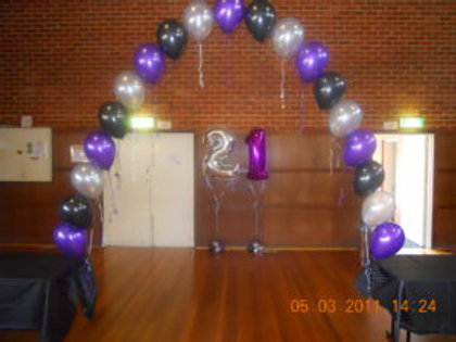Helium Pearl Balloon Arch (8ft W x 6ft H)