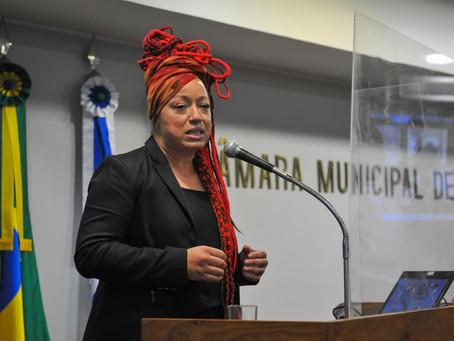 Vereadora Daiana Santos sugere que prefeitura realize testes rápidos em trabalhadores da educação