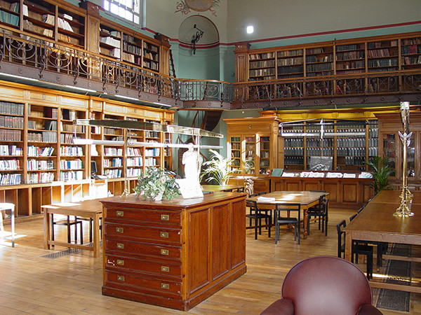 Bibliothèque_redim.jpg