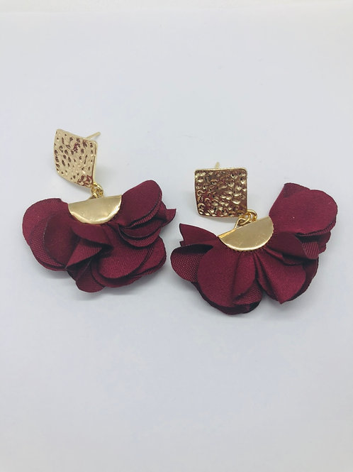 It's gold - burgundy red & gold
