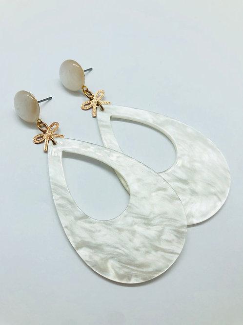 It's summer - romantic white pendant & rosé ribbon