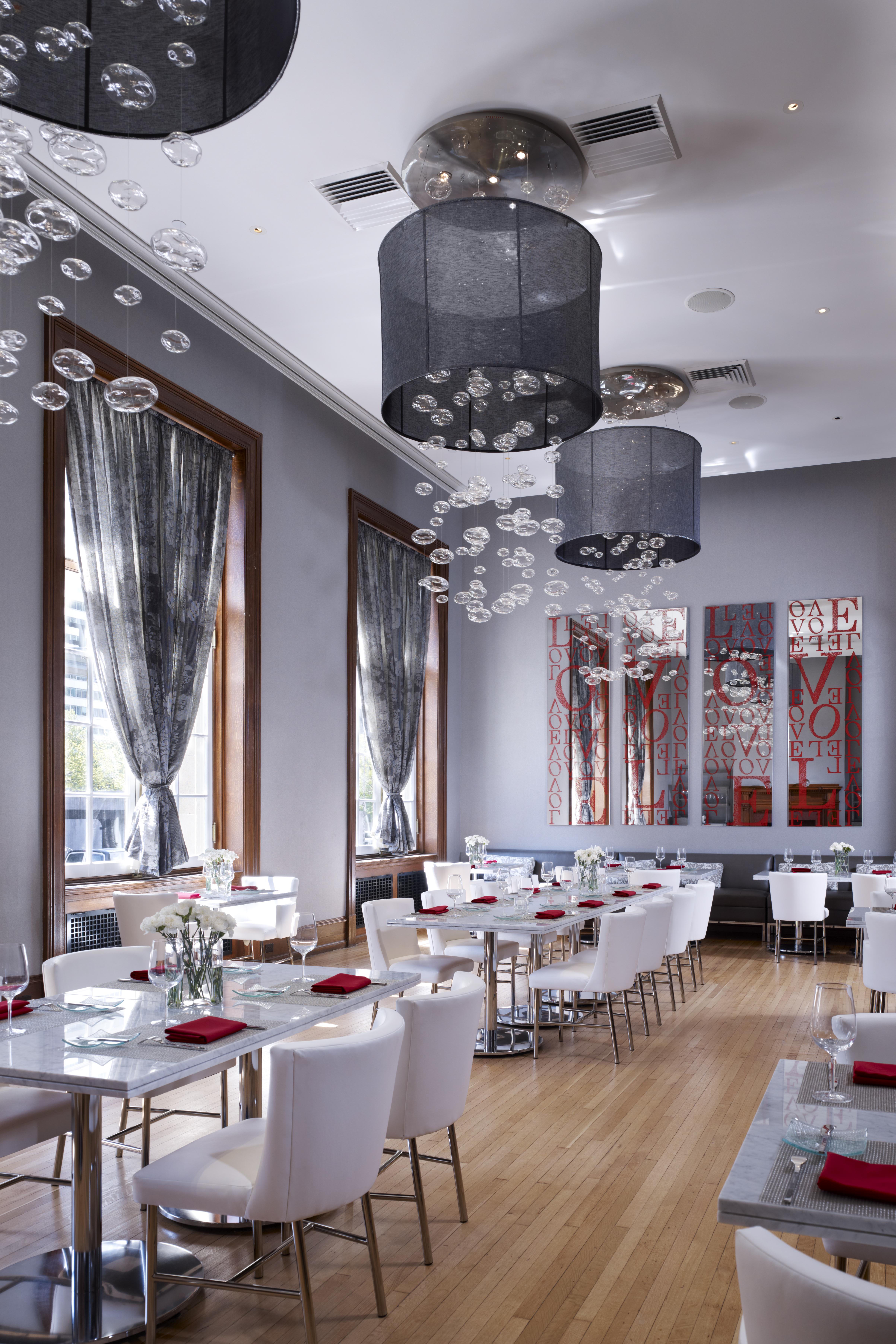 Le Meridian restaurant Interior