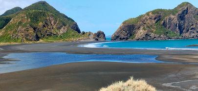 Whatipu gap and Paratutae Island.