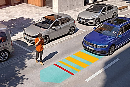 PA4311_Passat-front-assist-man-crossing-