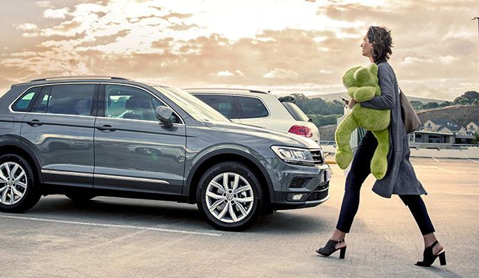 """""""Onde estacionei?"""" Esta pergunta será respondida pela aplicação Volkswagen Connect."""