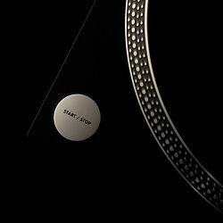 black-music-artistic-studio-vinyl-techno