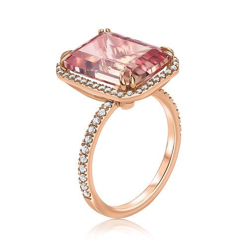 טבעת היילו משובצת יהלומים ואבן חן מורגונייט במרכז