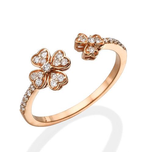 טבעת פרחים מעוצבת
