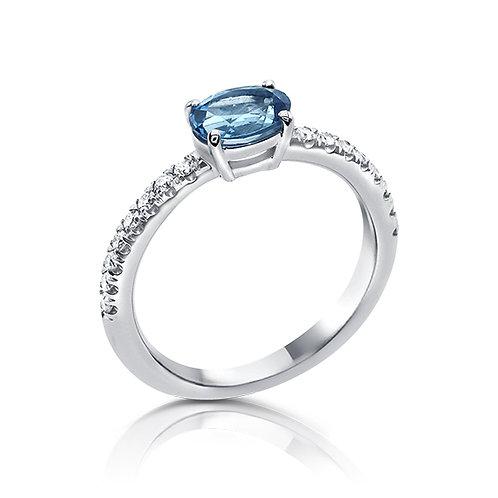 Oval shape blue topaz ring
