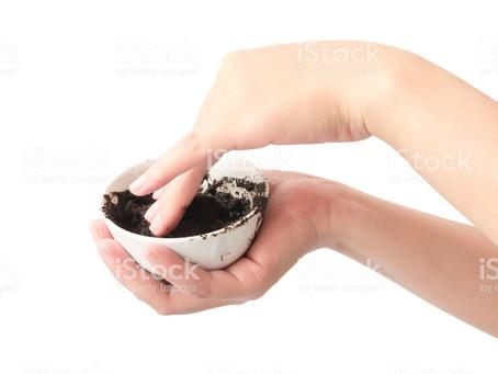 Le geste du mois : gommage du corps au café