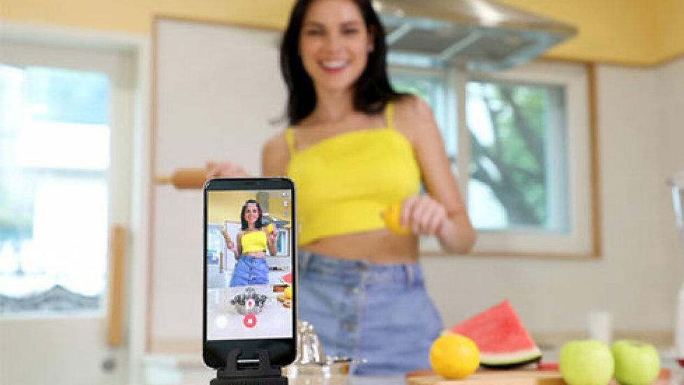 This little pod will become your personal photographer