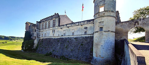 bouteville_chateau_2_1280_compressed.jpg