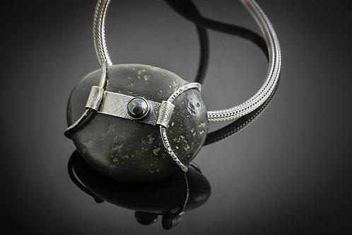 Stonewear mesh necklace