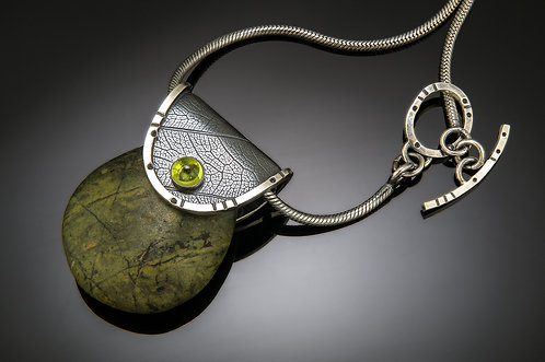 Rainforest statement purse pendant