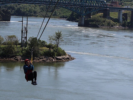 Ziplining (Tirolina) en St. John, Canadá