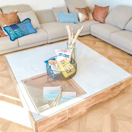 sofa&table.jpg