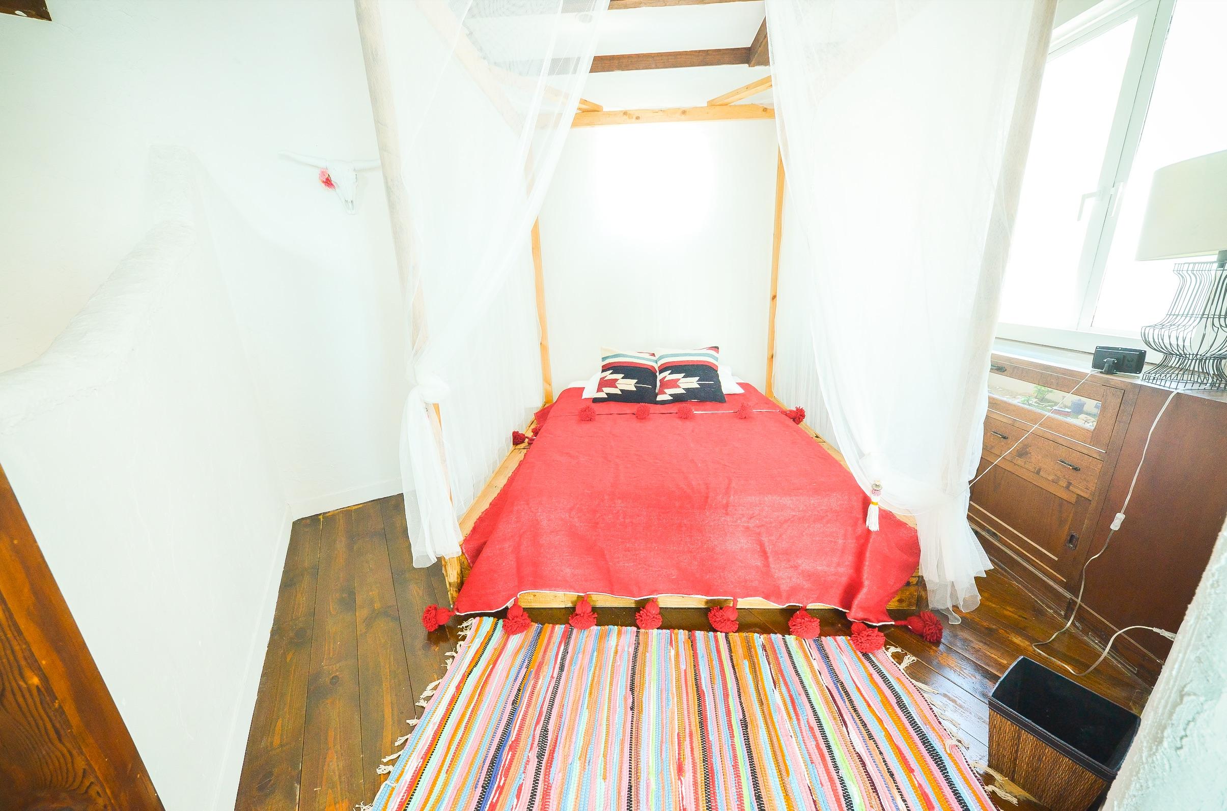 redbedroom