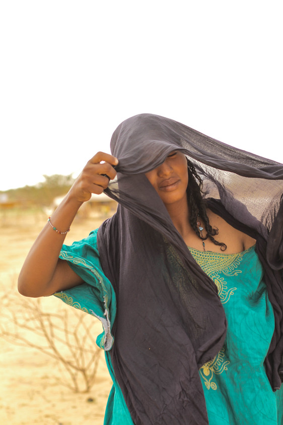 A Tuareg woman in the Niger desert