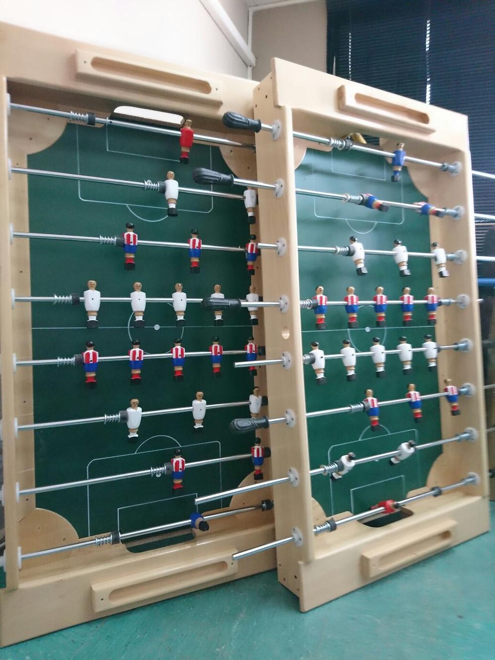 Alquiler de futbolines de madera