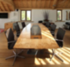 Bespoke, custom make boardroom table by Splinter Works