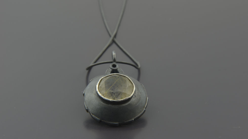 Black Silver Pendant whith Moonstone