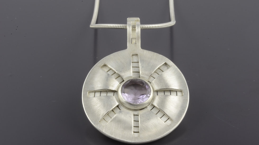 Silver Pendant with amethyste stone