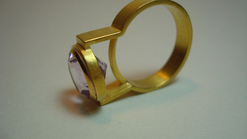 18 k gold Ring with citrine stone