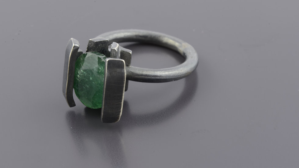 Black silver Ring with green onyx