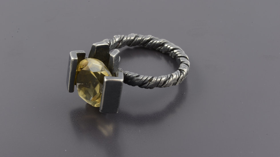 Black silver Ring with citrine