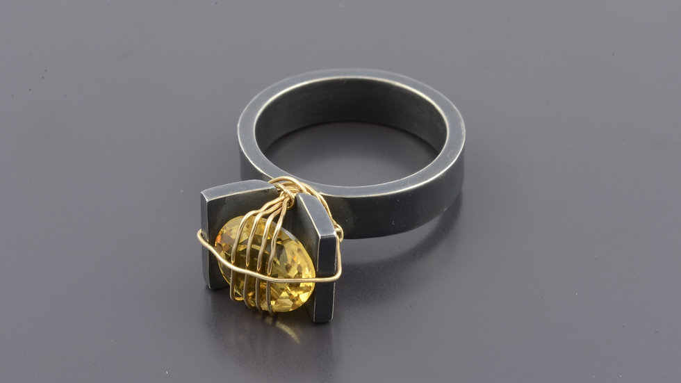 Black silver Ring with citrine stone