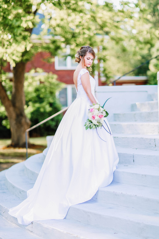 Tips for the Bride - Should I Have a Bridal Session?