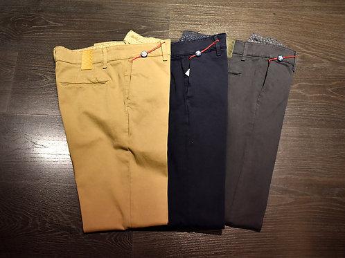 Pantaloni chinos gabardine