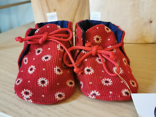 Chaussons upcyclés rouges