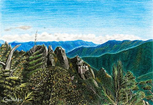 青い空と青い山々の色鉛筆画
