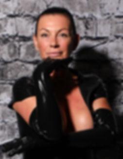 Lady Suzanne 1.jpg