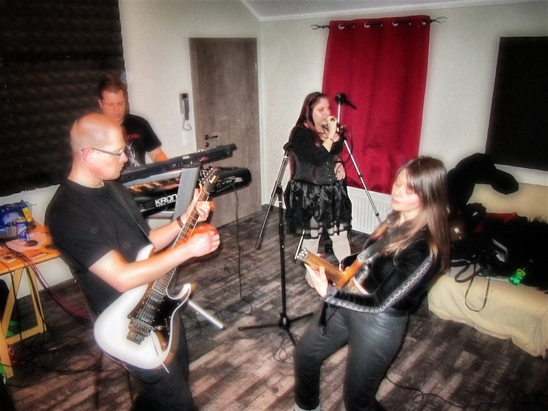 Rehearsals_005_Snapseed.jpg