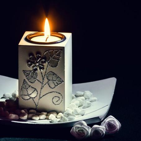 Пока догорает свеча...