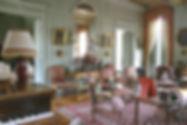 château Fontaine Henry visite calvados normandie Caen mobilier château salon