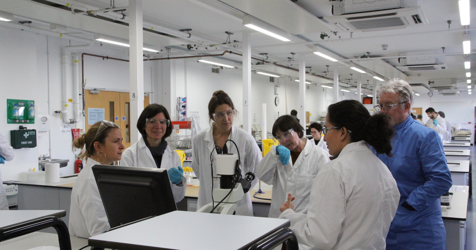 Pedro Ferreira (Biochemical Society), Blanca Pujals, Louise Mackenzie, Fiona Crisp, Christine Borland (CNoS), Josana Rodrigues (participant) and Lynn Dover (Biomedical Science, Northumbria University) at Ellison Lab 314, Northumbria University