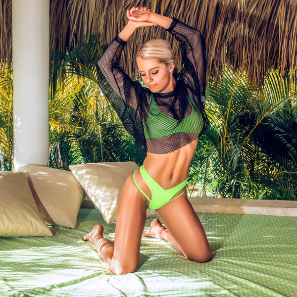 Bri Lauren Tropical Paradise
